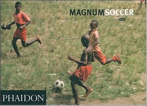 Magnum Photographers - Magnum Football : Paperback , édition en langue anglaise