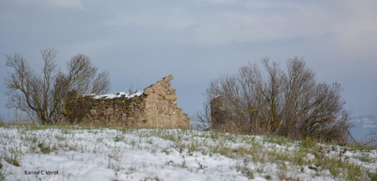 Ruine sur le plateau Ardéchois