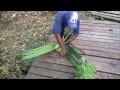 GUYANE. L'art de tresser les feuilles de palmier