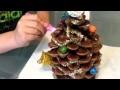 Sapin de Noël avec pomme de pin