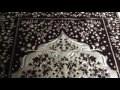 Découverte étonnante sur un tapis de prière