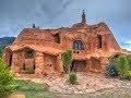 Il construit une incroyable maison en terre cuite de 500m2 ( photos)