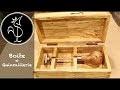 Boite en bois avec renforts aux coins, charnières et crochet de fermeture faits main