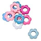 HOUSWEETY 50 Pcs Mixte Accessoire Perles en Bois Forme Fleur avec Trou d'Enfilage