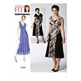 Vogue Patterns V1391 Patron pour femme Robe et mini cape TU