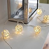 Guirlande Lumineuse LED à Piles avec 16 Boules Blanc Chaud en Rotin Tressé de Lights4fun