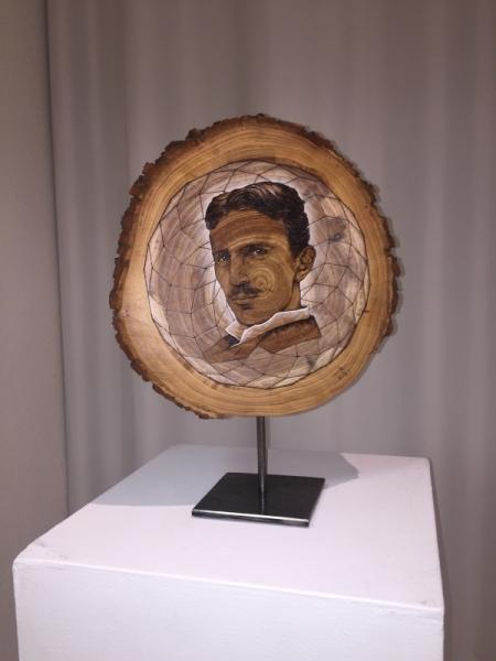 ARTISANAT D'ART Nikola Tesla Rondin Portrait Personnages  - Nikola Tesla
