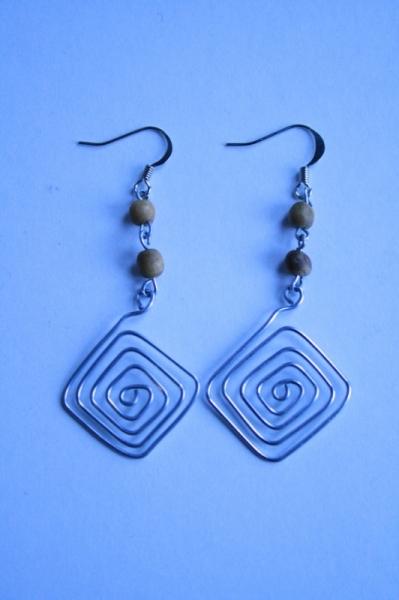 BIJOUX Boucles d'oreil pendante fer perle en bois  - En carré