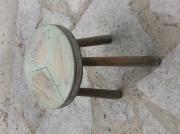 bois marqueterie autres tabouret ferme fer traire : TABOURET A TRAIRE