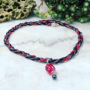 bijoux abstrait collier perles de verre rouge noir : Collier
