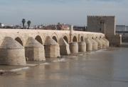 photo architecture pont romain cordoue espagne : Pont Romain à Cordoue