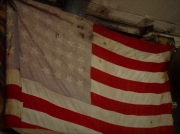 photo nature morte drapeau amerique guerre : Old American Flag