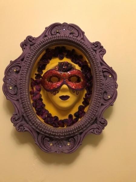 ARTISANAT D'ART masque decoratif masque gothique masque jaune masque iolet Personnages  - masque gothique
