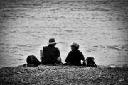 photo personnages couple personnages bord de mer photographie : Deux