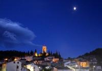 Cessenon/Orb, le vieux village et la tour sous la lune