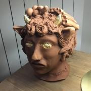 sculpture personnages mythologie satyre musique grece : Le jeune satyre