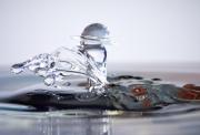 photo autres photo collision gouttes eau : Collisions de Gouttes d'eau