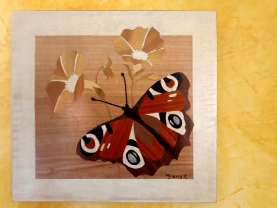 BOIS, MARQUETERIE papillon paon jour fleur Animaux  - Paon du jour