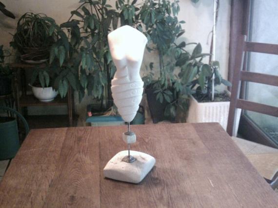 SCULPTURE corps femme sculpture pierre Abstrait Taille Pierre  - BELLISSIMA