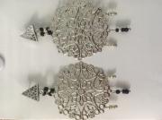bijoux autres boucle d'oreille mandala perles triangle : Mandala perles noires et argenté, triangle