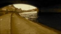 sous le pont coule la seine