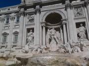 photo personnages trevi fontaine rome : Trévi