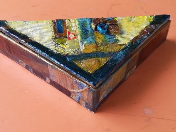 ARTISANAT D'ART triangle boîte bijoux utilitaire  - Le Citrangle