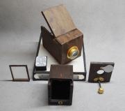 photo autres chambre photographique miniature niepce : replique CHAMBRE DE niepce