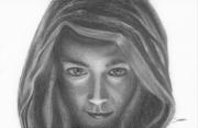 dessin personnages noir et blanc femme capuche mysterieux : Mystère