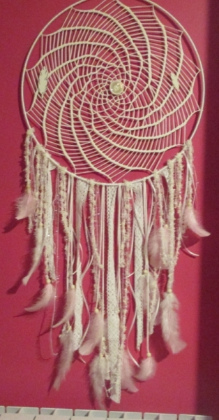 ARTISANAT D'ART dentelle plumes coton perles  - rose