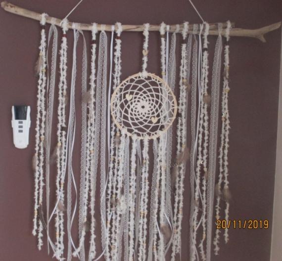 ARTISANAT D'ART bois flotté perles dentelle plumes  - plume 2