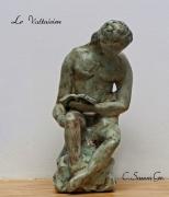 sculpture personnages lecture maitre livre sculpture : LE VOLTAIRIEN