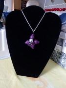bijoux fleurs pate violet aluminium perle : collier fleur