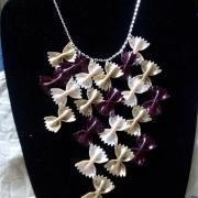 bijoux autres pate papillon : collier grappe papillons