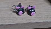 bijoux animaux pate cochon noir vernis : boucles cochons noir