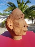 sculpture personnages visage homme expression : Condescendant