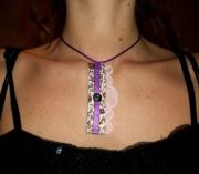 bijoux : Collier pendentif liberty marron prune rose fleur bouton dentell