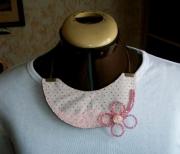 bijoux fleurs collier pois vintage fleur : Collier pois rose fleur bouton dentelle moderne chic tendance te