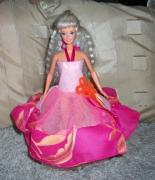 deco design personnages poupee barbie robe fleur rose : robe de soirée longue princesse poupée barbie fleur rose orange