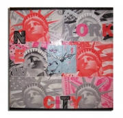 tableau villes horloge new york toile rouge : tableau horloge new york design moderne collage photo rouge rose