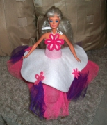 deco design personnages robe barbie poupee rose : robe princesse poupée barbie doll rose violet fleur collection