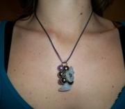bijoux fleurs collier pendentif rose perle : Collier grappe perle pierre mauve blanc gris argent moderne chic