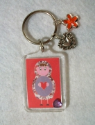 bijoux personnages porte cles matriochka poupee russe rose : Porte clés matriochka poupée russe rose coeur moderne collection