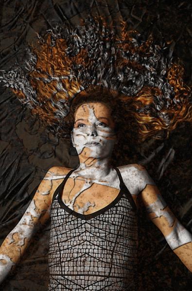 MIXTE art numérique art déco femme digital art  - Dream in gold and silver