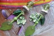 bijoux autres bijou avec feuilles esprit nature plastique magique bijou artisanal : Boucles d'oreilles aux 3 'Feuilles' de coloris ve