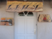 bois marqueterie : LY-THI- HOA et YVON