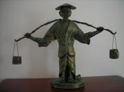 sculpture : le porteur d'eau
