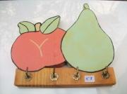 sculpture fruits bois objet fruit deco : N° 7 Pomme et Poire avec crochets
