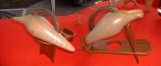 artisanat dart fleurs vase amphore cruche bouquets : Une Cruche Sur Un Banc