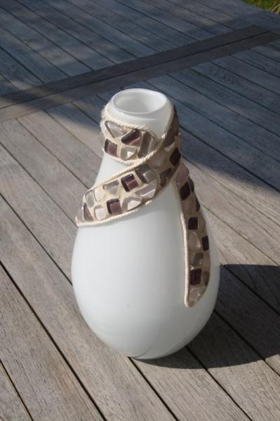 ARTISANAT D'ART vase verre crème mosaïque  - Vase crème (VENDU)